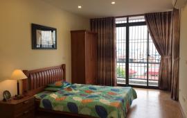 Chính chủ cho thuê căn hộ dịch vụ gần đại sứ quán Thụy Điển, DT: 50m2, 1 ngủ, full giá 7.5 tr/th