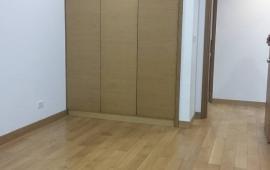 Cho thuê căn hộ chung cư Ngoại Giao Đoàn, 3PN, đồ gắn tường, giá cực rẻ