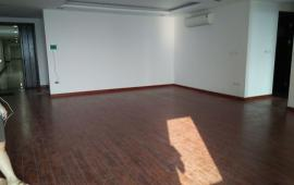 Cho thuê căn hộ chung cư N04 Trần Duy Hưng, căn góc 126m2, 3 phòng ngủ, 15 triệu/th