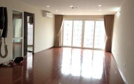 Cho thuê căn hộ chung cư Royal City tòa R2, 145m2, 3 phòng ngủ, không đồ, 15 triệu/ tháng