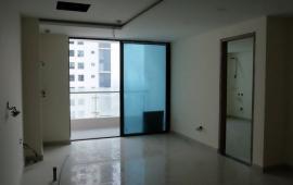 Cho thuê căn hộ 3 phòng ngủ tại tòa The Light, 126m2, giá 10tr/th, đồ cơ bản