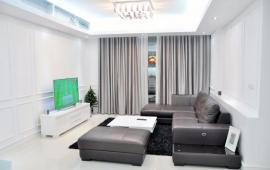 Cho thuê CHCC cực đẹp tại VinHome Nguyễn Chí Thanh, 137m2, 3pn, đồ cơ bản, giá 14000$/th