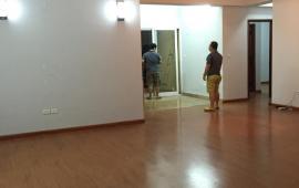 Cho thuê chung cư 165 Thái Hà, 120m2, 3PN đồ cơ bản, 11 tr/th. LH: 0915 651 569