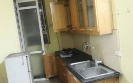 Cho thuê căn hộ tại Nam Trung Yên - 65 m2. Đồ cơ bản, nóng lạnh, 2 phòng ngủ, giá 6,5 tr/th
