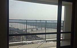 Cho thuê căn hộ Mipec Riverside 3 phòng ngủ, 146m2, tòa A view sông cực đẹp.