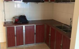 Cho thuê căn hộ chung cư 130 Nguyễn Đức Cảnh, 2 phòng ngủ, đồ cơ bản, 6,5 tr/th. LH: 0915 651 569