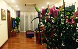 Cho thuê căn hộ chung cư Hòa Bình Green, 92m2, thiết kế 2 PN, 2WC, đồ cơ bản giá 10 triệu/tháng