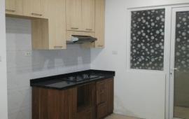 Cho thuê căn hộ chung cư Tràng An Complex, diện tích 82m2, thiết kế 2 phòng ngủ, đồ cơ bản