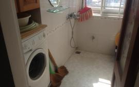 Cho thuê căn hộ chung cư Số 6 Đội Nhân, DT 71m2, 2 phòng ngủ, đủ đồ đẹp, LH 0915 651 569
