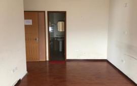 Cho thuê chung cư cao cấp 36 Hoàng Cầu, DT: 119m2, 2PN giá chỉ 16tr/th, đồ cơ bản