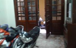 Cho thuê nhà 4T x25m2, ở Nghi Tàm,Yên Phụ,Tây Hồ