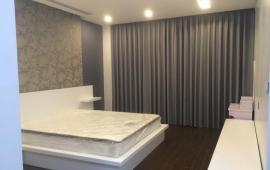 Cho thuê căn hộ 82 Tuệ Tĩnh, 130m2, 3 phòng ngủ, đủ đồ, 33.6 triệu/tháng