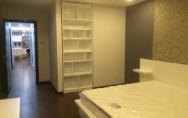 Chính chủ cho thuê căn hộ phố Tuệ Tĩnh,DT 130m2, nội thất cao cấp giá chỉ 1500usd/tháng