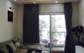 Cho thuê căn hộ chung cư KĐT Nghĩa Đô, 73m2, 2PN, đồ cơ bản, 10 tr/th. LH: 0918327240