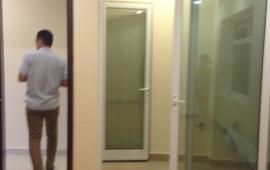 Giá hợp lí cho thuê căn hộ chung cư Hòa Bình Green City, 2 phòng ngủ, 9 tr/th, đồ cơ bản