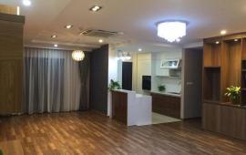 Cho thuê căn hộ chung cư 165 Thái Hà, 206m2, 3 phòng ngủ, 30m2 sân vườn, 21 tr/th
