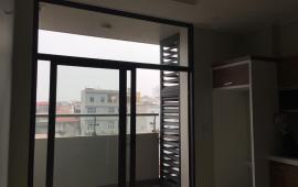 Cho thuê căn 2 PN, đồ cơ bản, 80m2 ở Tràng An Complex - Số 1 Phùng Chí Kiên, giá 12 tr/tháng
