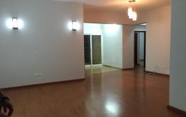 Cho thuê căn hộ chung cư M3 - M4 Nguyễn Chí Thanh, 160m2, 4 phòng ngủ, đồ cơ bản, 15 tr/th