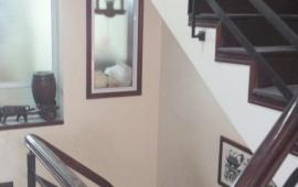 Cho thuê nhà riêng ngõ 29 Khương Hạ , 60 m 4 tầng , ô tô đỗ trước cửa .