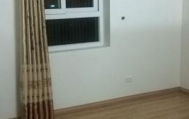 cho thuê căn hộ chung cư 165 Thái Hà, 120m2 - 3 phòng ngủ, đồ cơ bản  Giá 12 triệu LH 0163339 8686