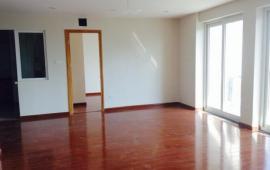 Cho thuê căn tầng 18, căn góc,  134m2, 3 phòng ngủ sáng, đồ cơ bản 14 tr/tháng LH: 0976988829