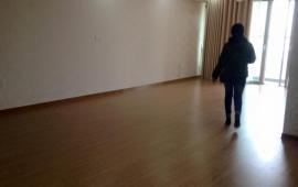 Căn tầng 16, 98m2, 2 phòng ngủ, đồ cơ bản giá 11 tr/tháng, tòa 24T1 - Hapulico. LH: 0976 988 829