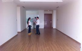 Cho thuê CHCC 57 Láng Hạ, 196m2,  4PN, đồ gắn tường, tiện làm văn phòng.