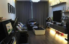 Căn hộ cao cấp tại 170 Đê La Thành, Đống Đa, DT 146m2, 3PN, đầy đủ nội thất, giá 15 tr/th