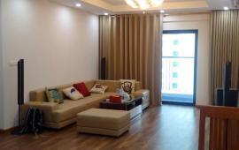 Chính chủ cho thuê căn hộ ở Goldmark City, căn 3 ngủ, đủ đồ, 121m2, giá 14 triệu, Lh: 0961610942