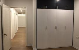 Chính chủ cho thuê căn hộ 174m2, 4 phòng ngủ, 15 triệu/th, đồ cơ bản tại Goldmark City