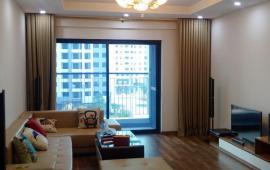 Chính chủ cho thuê căn hộ ở Goldmark City, căn 3PN, vừa xong nội thất, 121m2, giá 14 tr/th. 0961610942