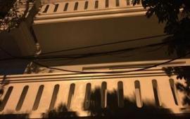 Cho thuê nhà khu phân lô Đền Lừ Dt100m2 x 4 tầng giá 27tr/tháng