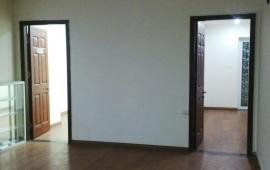 Cho thuê căn hộ Sakura - 47 Vũ Trọng Phụng, 3 phòng ngủ đầy đủ nội thất cơ bản, giá 11 triệu/tháng. Liên hệ: 01678.182.667