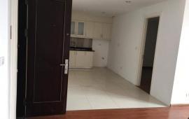 Căn hộ 51 Quan Nhân 2 phòng ngủ, đầy đủ nội thất cơ bản cần cho thuê ngay, giá 8 triệu/tháng. Liên hệ: 01678.182.667