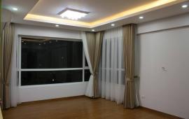 Cho thuê CHCC Golden Land, 3 phòng ngủ, giá cực rẻ
