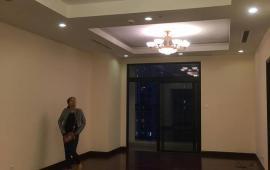 Cho thuê CHCC Royal City tầng 11, 113m2, 2 phòng ngủ, nội thất cơ bản 13 tr/th, LH: 0961610942