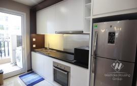 Cho thuê căn hộ chung cư Hòa Bình Green City, đủ đồ, 2 phòng ngủ, giá 11tr/tháng