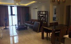 Cho thuê căn hộ cao cấp tại chung cư D2 Giảng Võ, 168m2, 3PN tầng cao view hồ, giá 18 triệu/tháng