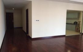 CHCC Golden Land 275 Nguyễn Trãi cần cho thuê gấp căn hộ. 132m2, 3PN có sẵn nội thất cơ bản