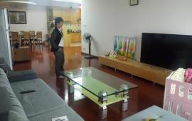 Cho thuê căn hộ chung cư VINHOME - Nguyễn Chí Thanh, diện tích 54m2, 1 ngủ đủ đồ giá 600$/tháng. Call 0987.475.938
