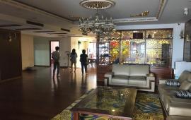 Cho thuê căn hộ cao cấp tại chung cư D2- Giảng Võ, Ba Đình 194m2, 4PN đủ đồ giá 25triệu/tháng.