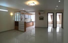 Cần cho thuê ngay căn hộ cao cấp Sakura. Diện tích 131 m2, 3 phòng ngủ đầy đủ nội thất cơ bản, giá 11 triệu/tháng. LH: 01678 182 667