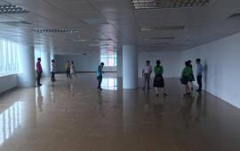 Tòa Lotus Building phố Duy Tân cho thuê văn phòng.