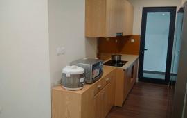 Cho thuê căn hộ Golden Land 3 phòng ngủ, đồ cơ bản 15 triệu/th, LH: 0979.532.899