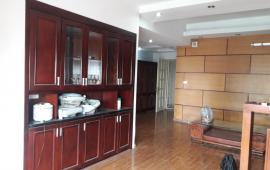 Cần cho thuê ngay căn hộ cao cấp Hà Thành Plaza. Diện tích 115 m2, 2 phòng ngủ đầy đủ nội thất cơ bản, giá 9 triệu/tháng. LH: 01678 182 667