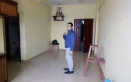 Cho thuê căn hộ chung cư 183 Hoàng Văn Thái, 2 phòng ngủ đồ cơ bản 7 tr/th LH: 0915 651 569