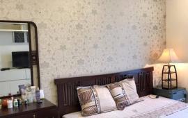 Chính chủ cho thuê căn hộ 3PN, 120m2, Đống Đa, nhà đẹp