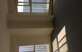 Cho thuê căn hộ cao cấp 113 Trung Kính -100m2- thiết kế 2 Phòng Ngủ, đồ cơ bản,  giá 10 tr/th. LH  016 3339 8686