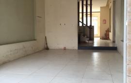 Cho thuê nhà riêng mặt đường  Phúc Diễn, 4 tầng x 85m2, 17tr/tháng, thuận lợi làm văn phòng, trung tâm du học, ở hộ gia đình đông
