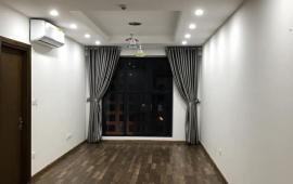 Chính chủ cho thuê CHCC Goldmark City, 78m2, 2 phòng ngủ, cơ bản, 9 triệu/th. 0902226082
